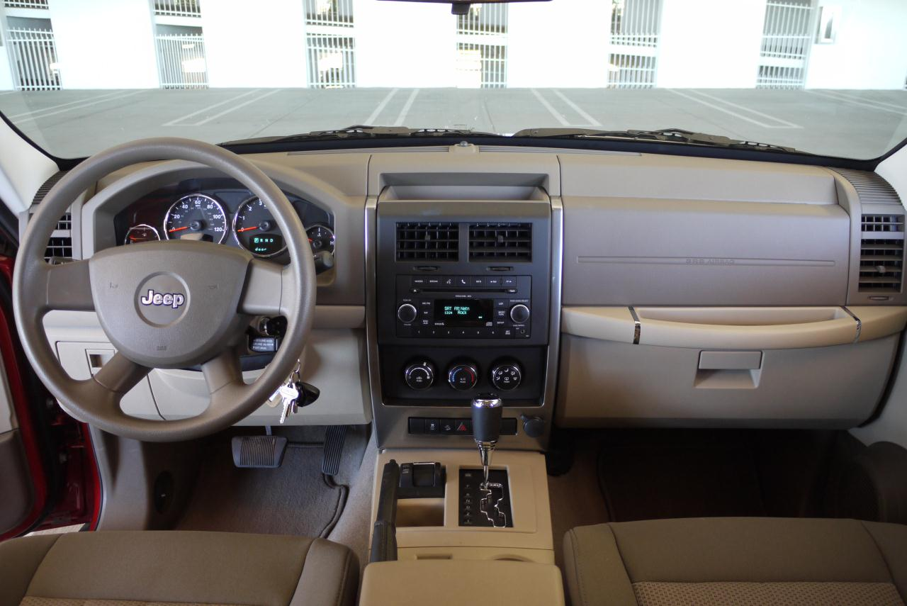 2010 JEEP LIBERTY SPORT INTERIOR DESIGN
