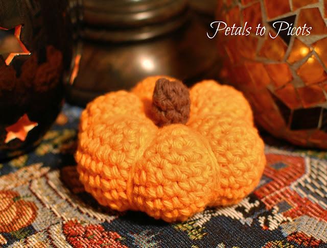 Halloween crochet pumpkin pattern