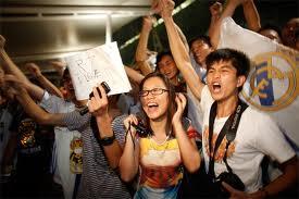 kaka vuelve locos a los chinos
