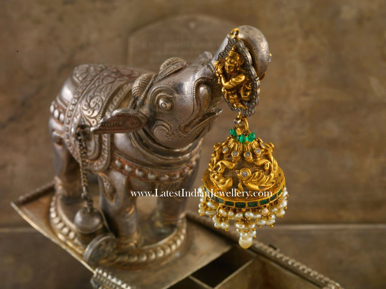 Masterpiece of Jhumka Design