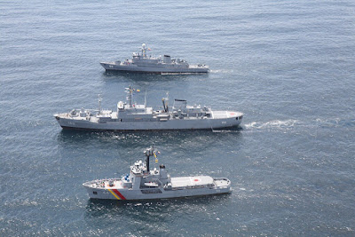 El ARC Nariño, ARC Buenaventura y el ARC Valle del Cauca, unidades mayores de la Armada Nacional en la jurisdicción del océano pacífico.