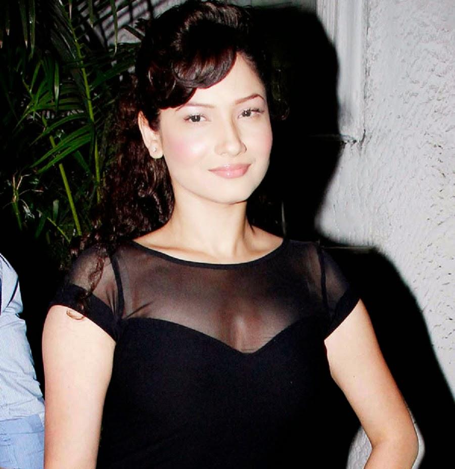 Holly Aird (born 1969),Lisa Dillon Sex photos Lydia Hearst,Iris Chacon