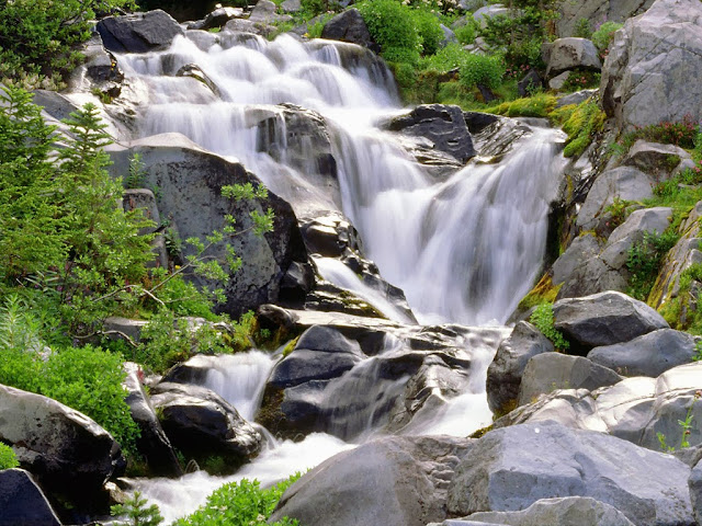 http://www.funmag.org/pictures-mag/nature/breathtaking-picture-of-waterfalls-26-photos/