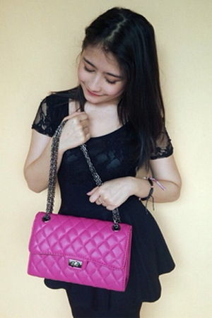 Foto Cantik Prilly Latuconsina Pemeran Sisi Terbaru 2014