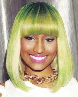 nicki minaj peluca verde