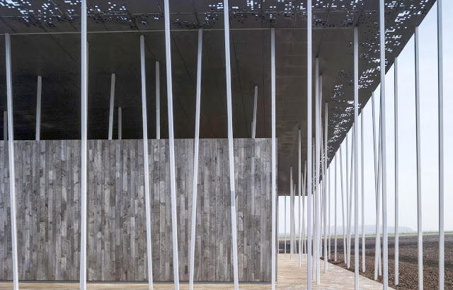 06-Stonehenge-Visitor-Centre-by-Denton-Corker-Marshall