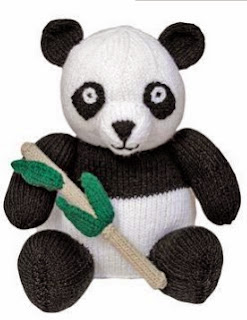 http://translate.google.es/translate?hl=es&sl=en&u=http://www.allaboutyou.com/knitting-patterns/toys-to-knit/knit-a-giant-panda-free-pattern-53826&prev=/search%3Fq%3Dhttp://www.allaboutyou.com/knitting-patterns/toys-to-knit/knit-a-giant-panda-free-pattern-53826%26safe%3Doff%26biw%3D1429%26bih%3D961