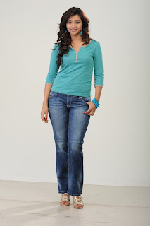 Actress Isha Chawla  Picture Shoot Pictures 016.jpg