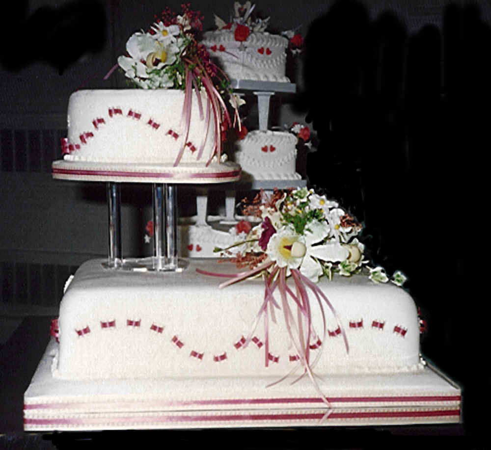 Cake Design Bakery : Wedding Cakes: Unusual Wedding Cakes Pictures