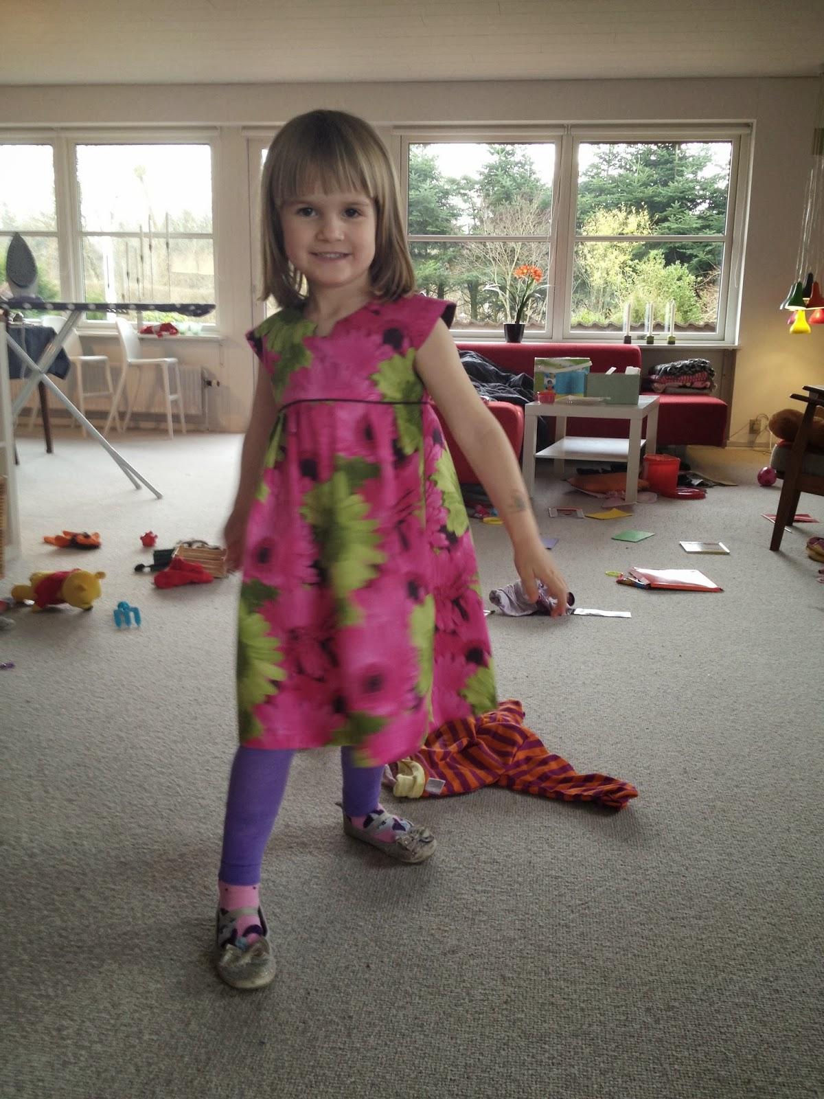 Gerbera Geranium Dress. Knödelicious