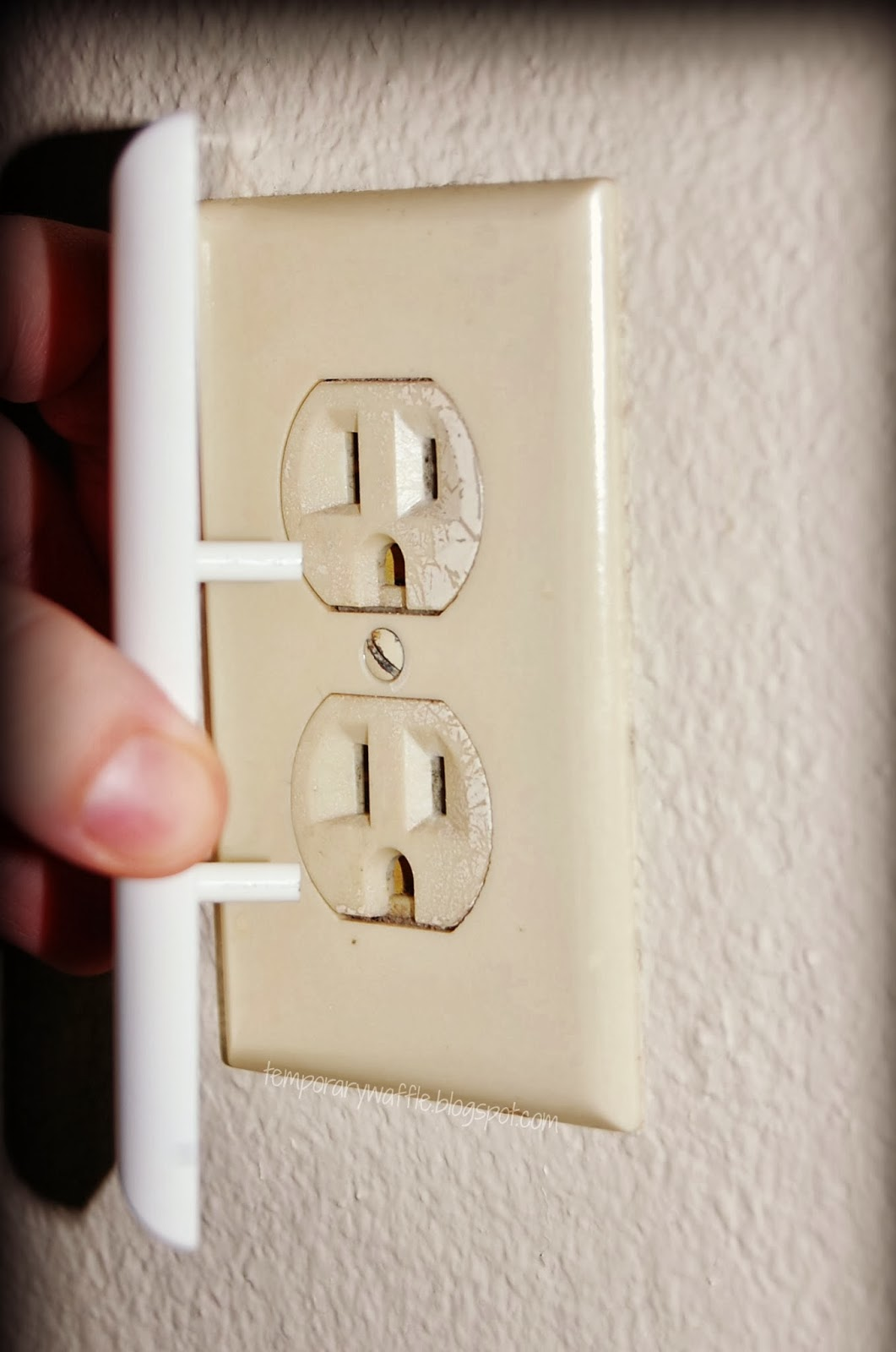 Temporary waffle child safety new electrical outlet covers Electrical outlet covers