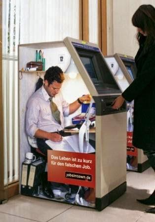 Ada Pekerja Keras di Balik Mesin Otomatis