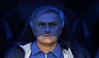 Mourinho in the shadows of the Real Madrid bench