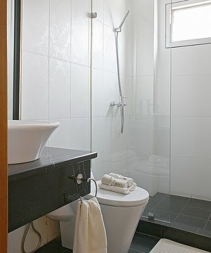 Berikut 7 ide pembuatan kamar mandi minimalis: