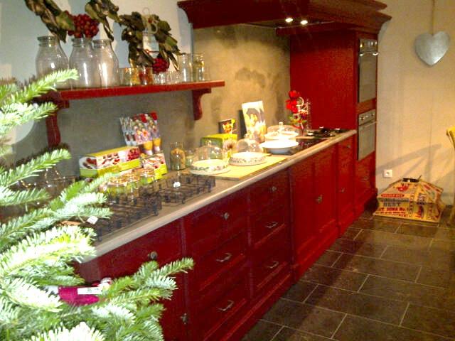 trendy homes robin du lac home decoration. Black Bedroom Furniture Sets. Home Design Ideas