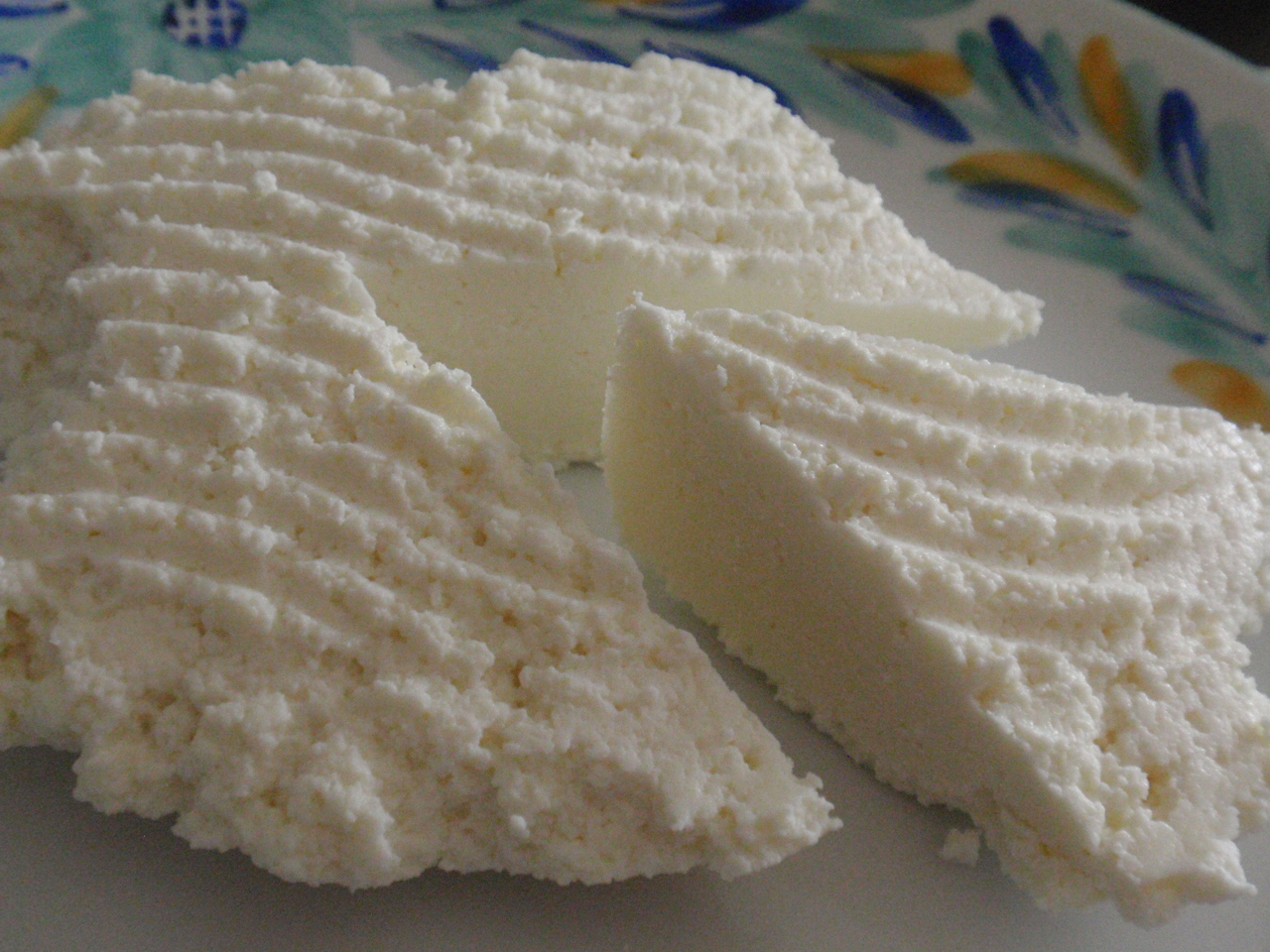 Peynirin üzerine koyarsanız