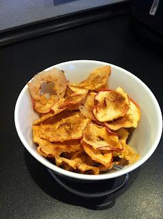 ovnbagte æble chips kanelsukker