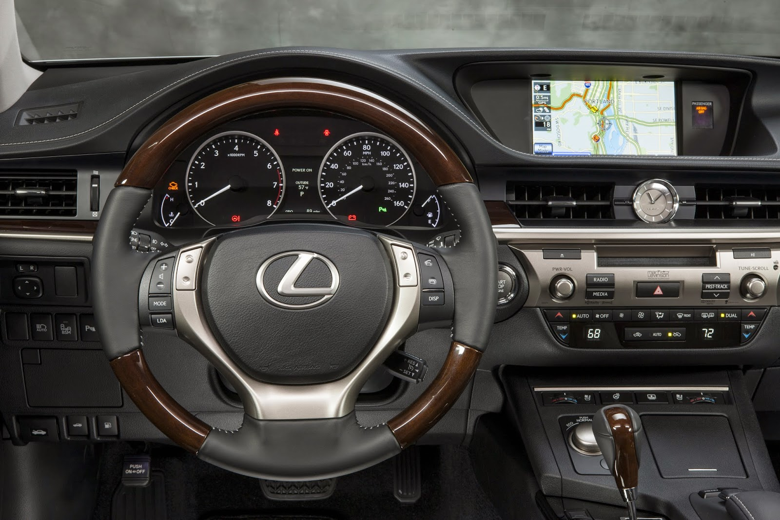 2015 Lexus ES350 interior view