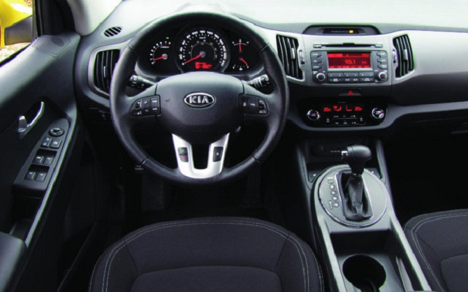 site to voitures le nouveau kia sportage 2012. Black Bedroom Furniture Sets. Home Design Ideas