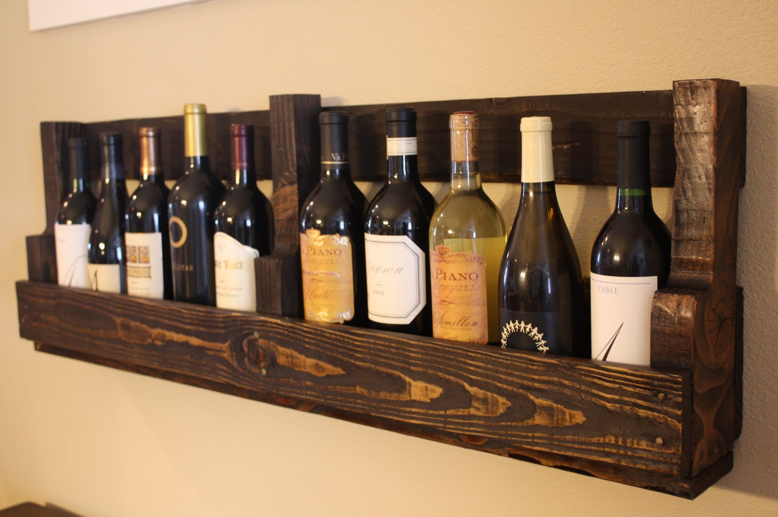 Pallet wine rack pallet furniture collection for How to make a wine rack out of pallet wood