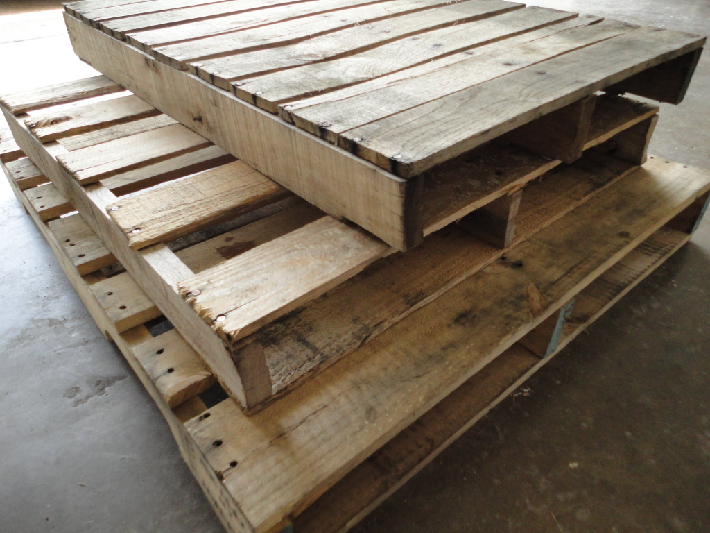 From gardners 2 bergers reader feature pallet love sign for Uses for used pallets