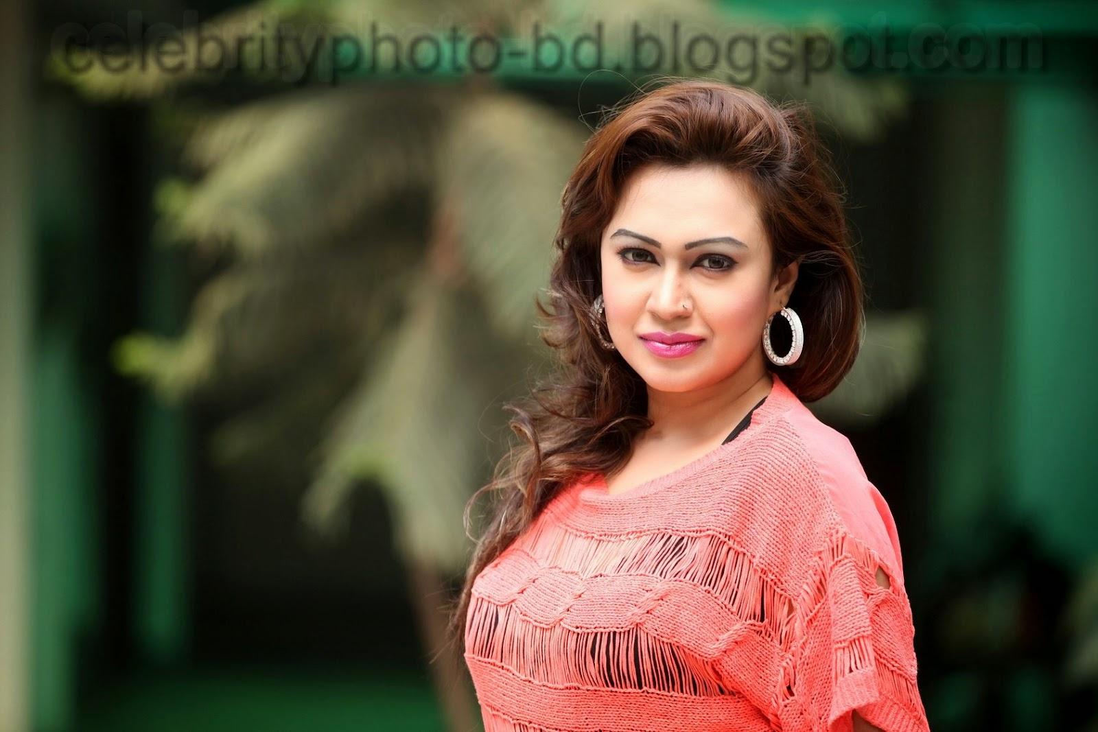 Bipasha+Kabir++Most+Popular+Item+Girl+of+Bangladesh003