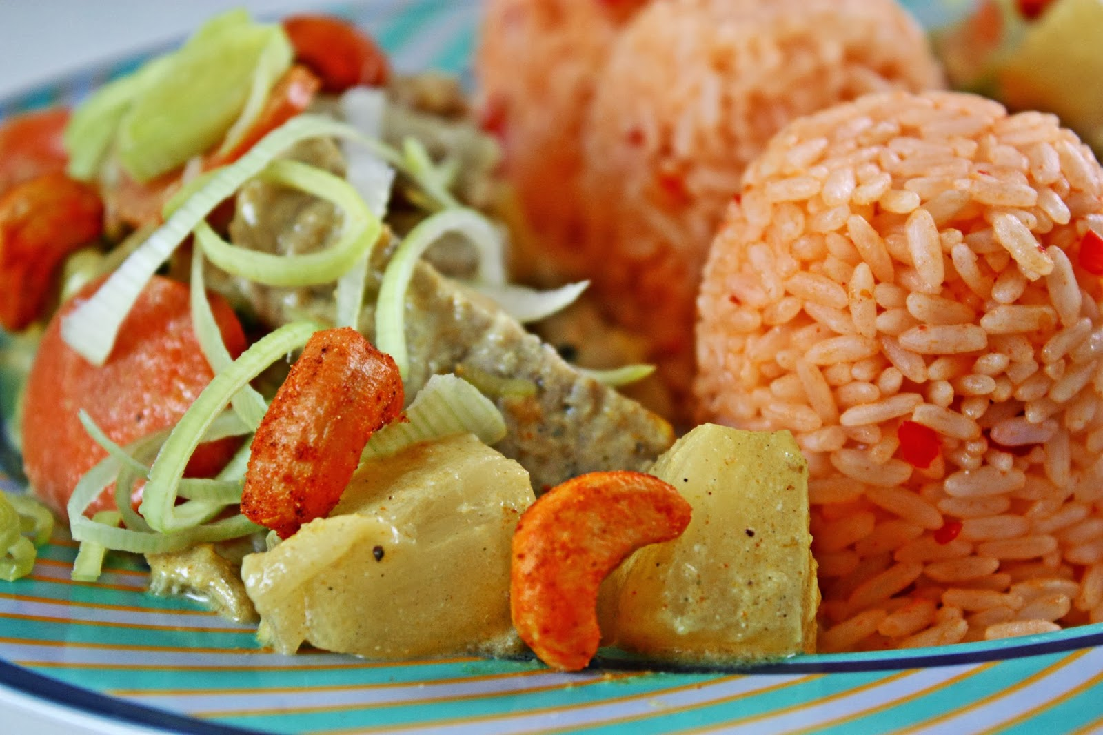 Cashew & Pork Curry mit Ananas Kardamom Sauce