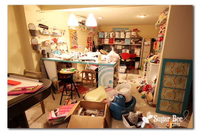 messy+craft+room+2.png