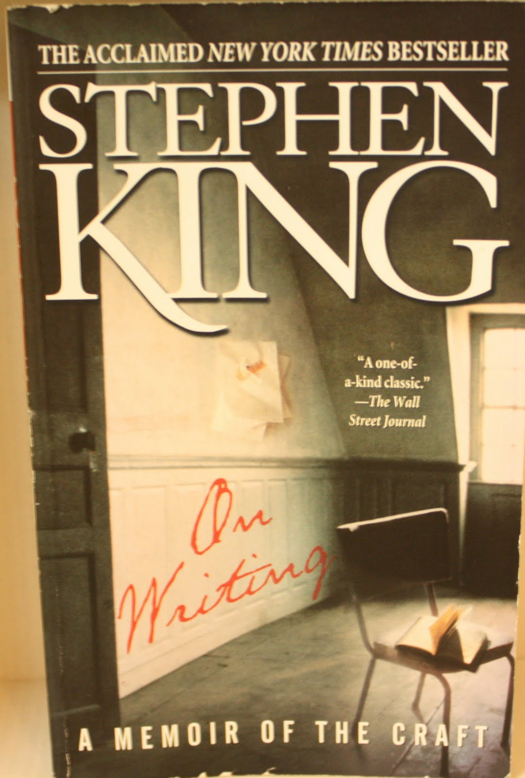 "stephen king writing style essay Stephen king's on writing: stephen king's ""on writing"" – a comprehensive review and summary king's writing style is based on characters."