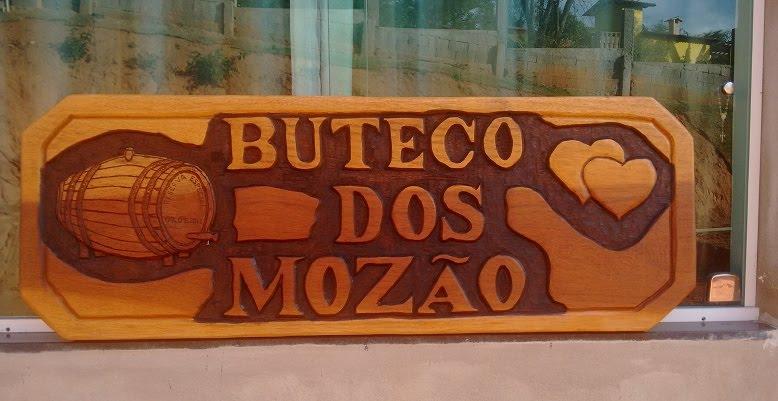 Placa em madeira cedro