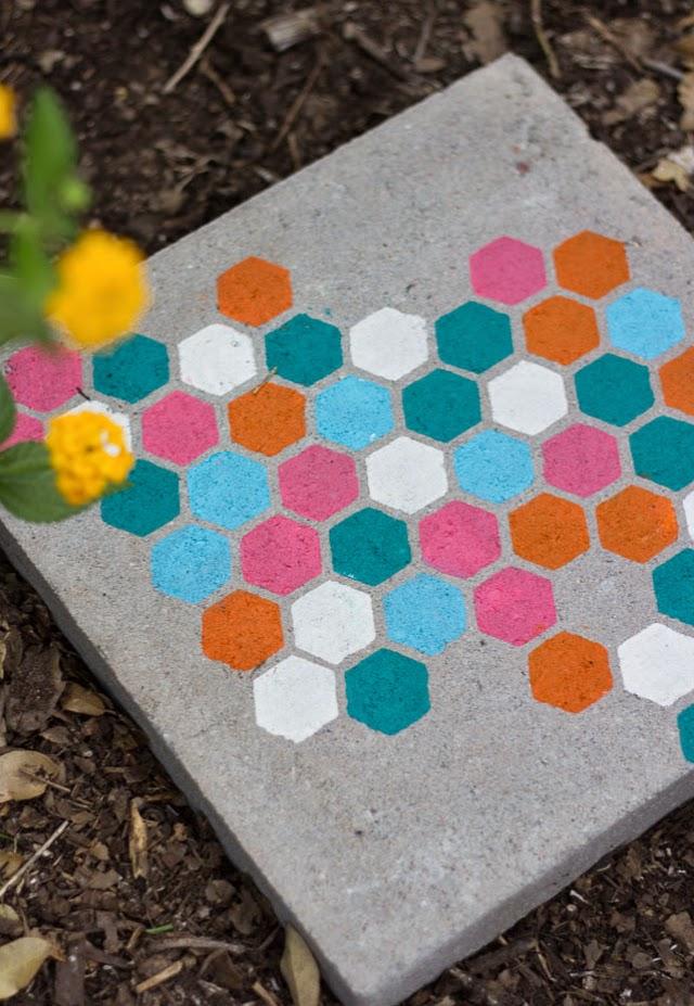 E-no-jardim-caminho-personalizado