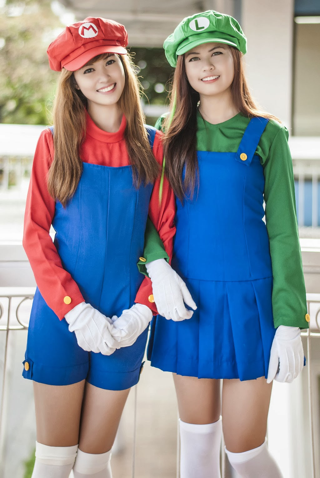 luigi-gamer-mario-cosplay-sexy-bros