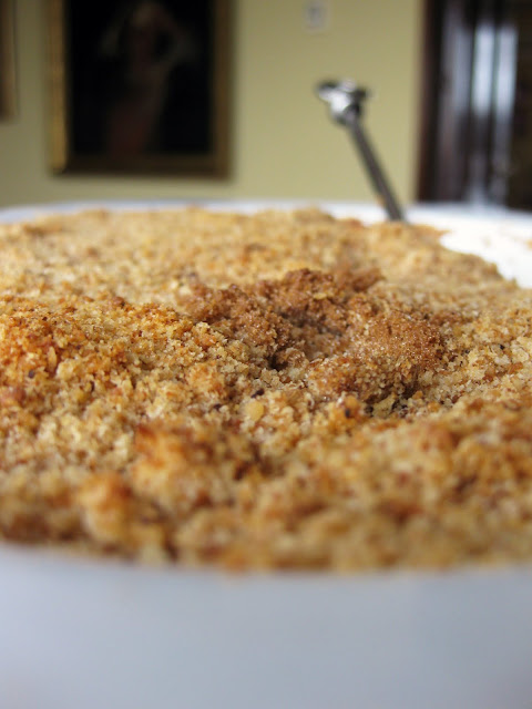 This is an easy recipe for bread pudding similar to an apple brown betty