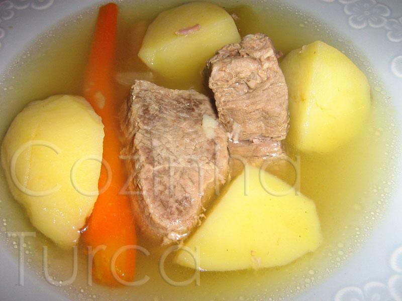 Cozido à Turca (Dana Haşlama)