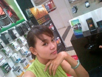 SPG Counter HP Narsis Bugil| foto Hot | Foto Bugil | Cewek Bispak | SPG counter HP