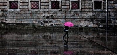 PInk Umbrella Jorge Maia photography