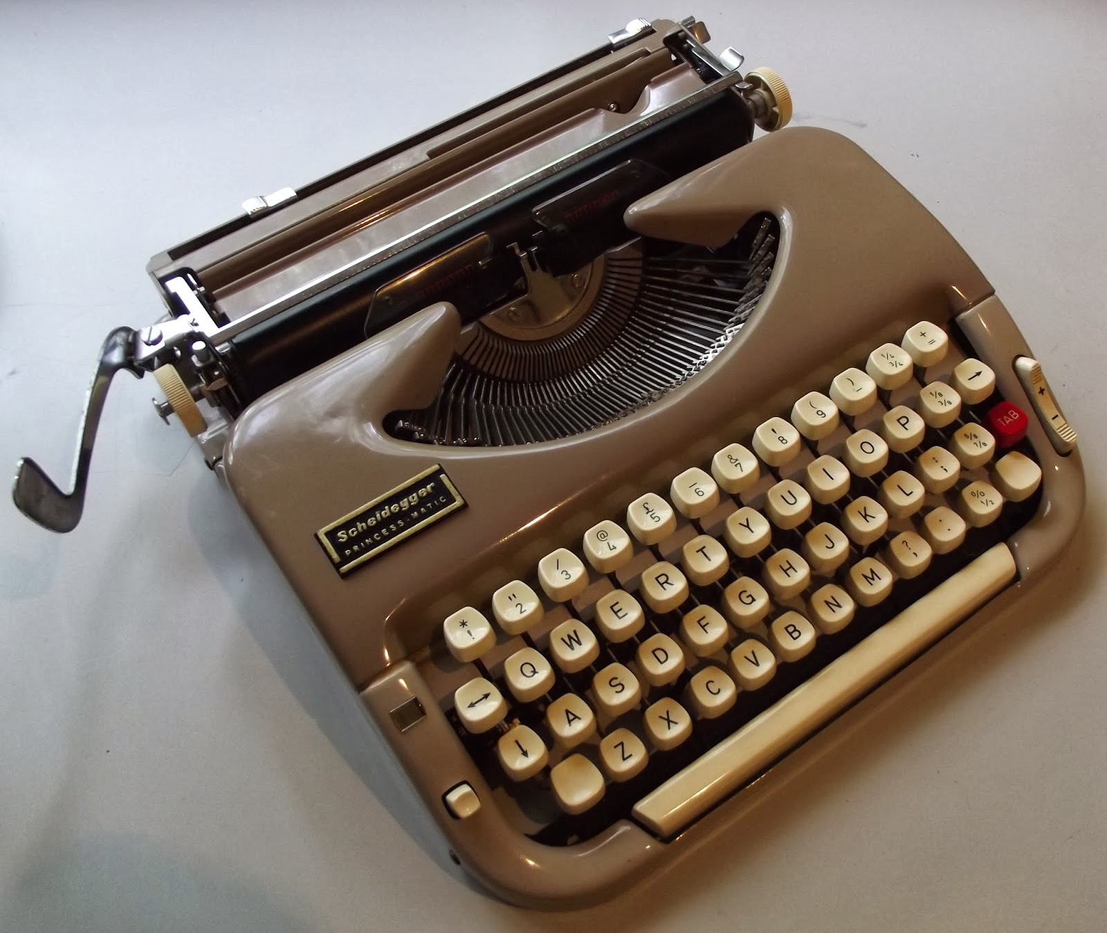Oz.Typewriter: Willy Scheidegger Typewriters, The Typomat