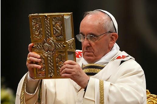 El Papa Francisco dice que sólo la Iglesia Católica puede interpretar la Biblia