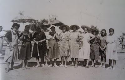 Abuelohara_leganes_bnVI_Grupo_de_mujeres