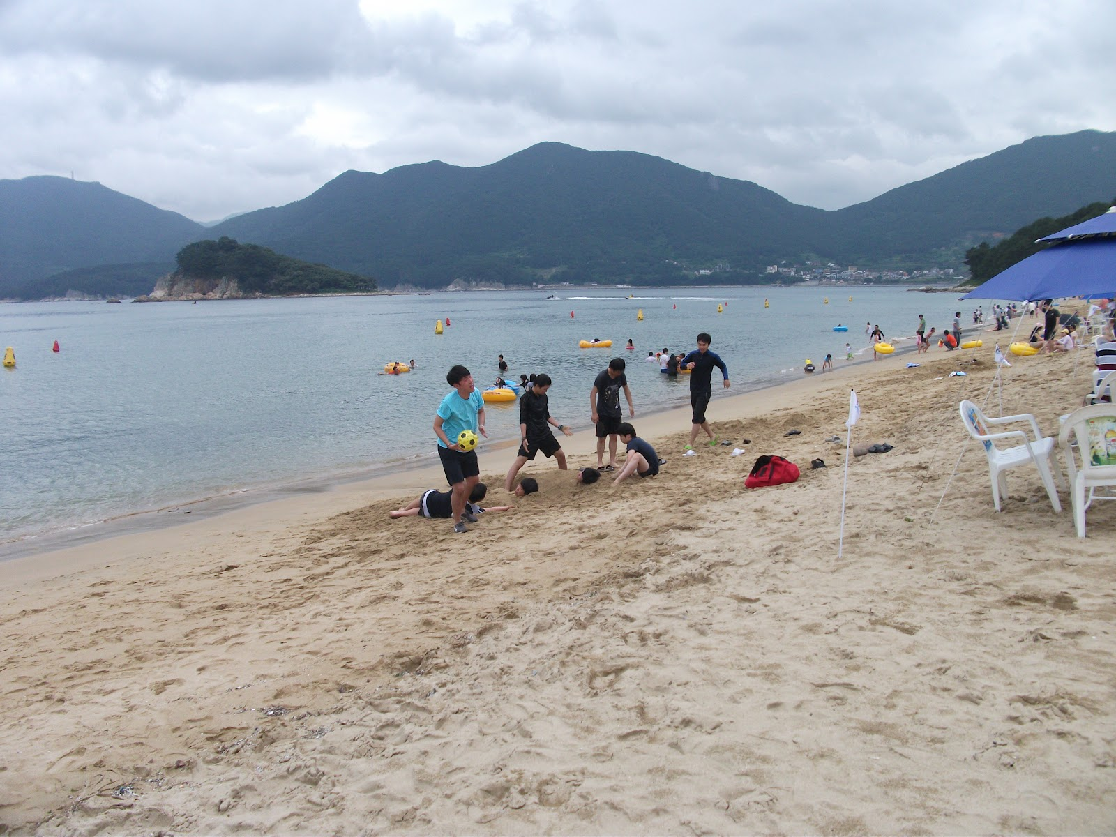Geoje-si South Korea  city pictures gallery : Gujora Beach, Geoje Si, South Korea | Koreabridge