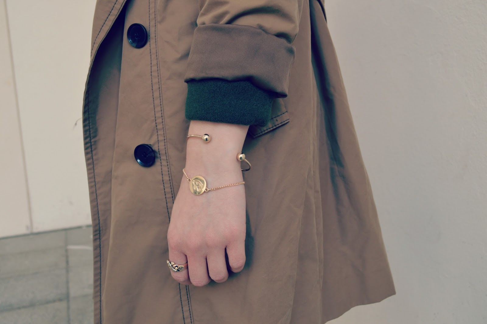 asos jewellery vintage jewellery gap trench coat