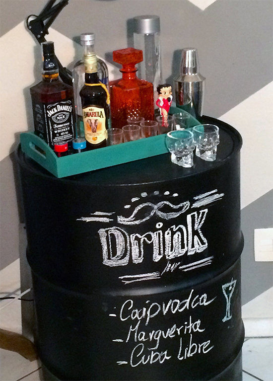 tambor, bar, reciclagem, upcycling, mini bar, carrinho bar, bar cart
