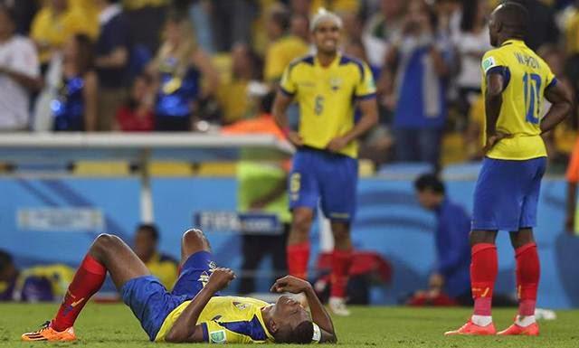 """FÚTBOL Mundial Brasil 2014 -- Francia 0-0 Ecuador. """"Valencia vio la roja y Ecuador se va para casa"""""""