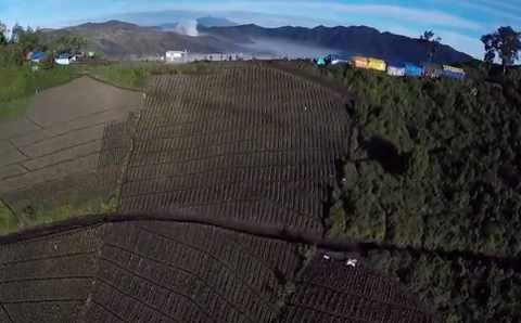 Gambar lokasi pemukiman suku Tengger di Gunung Bromo