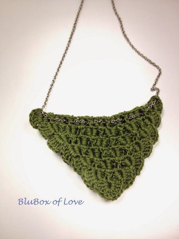 Simple Crocheted Necklace - Back Side