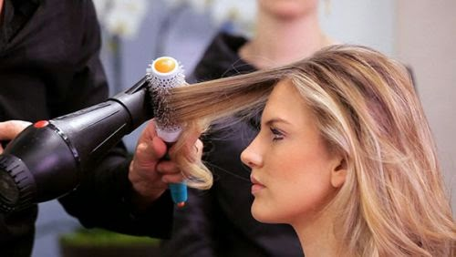 penyebab rambut rontok parah berlebihan