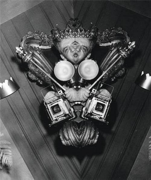 Auto-retratos ao espelho de fotógrafos famosos - Weegee
