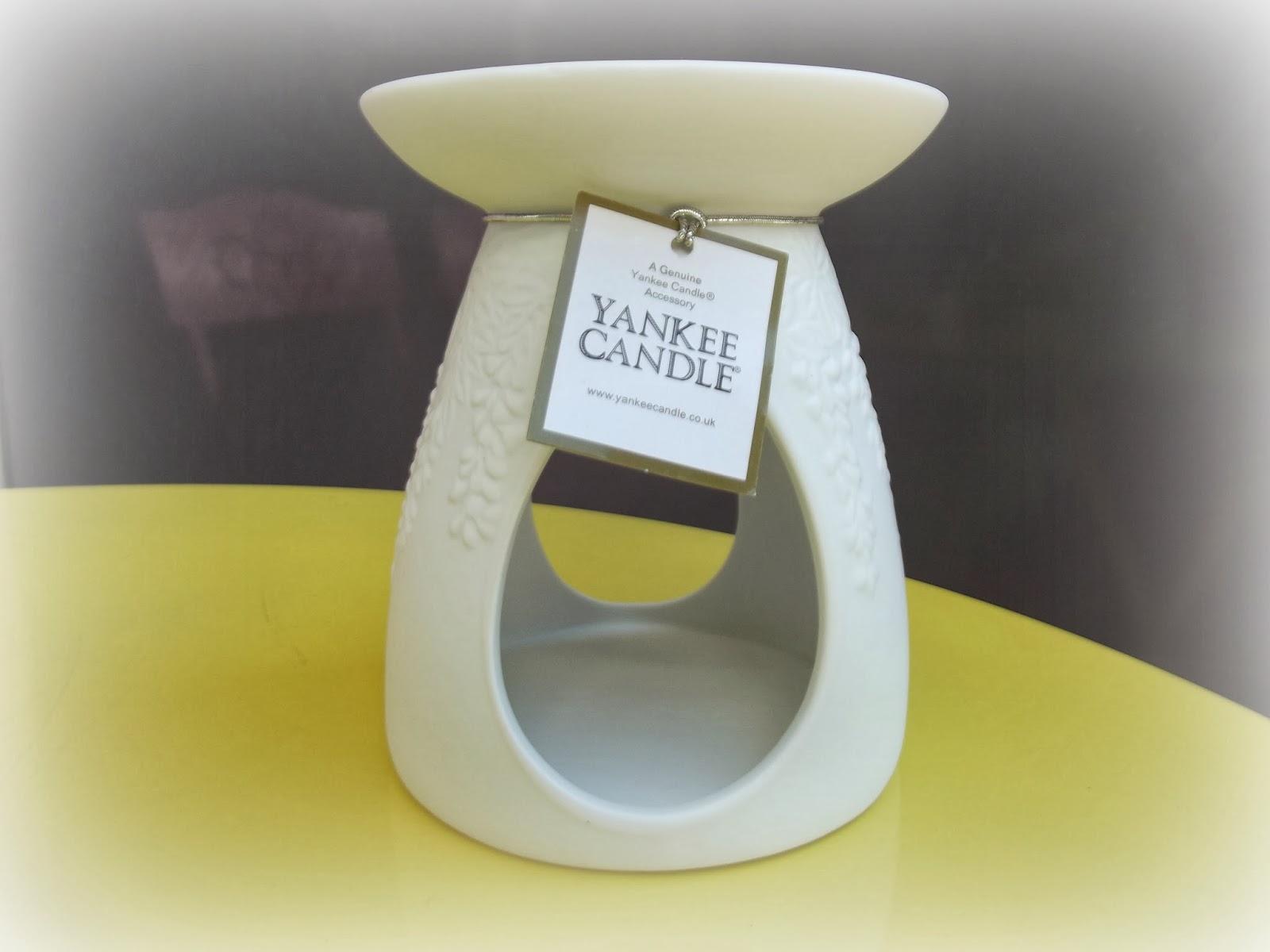 laure a un blog bon plan des bougies yankee candle dijon. Black Bedroom Furniture Sets. Home Design Ideas