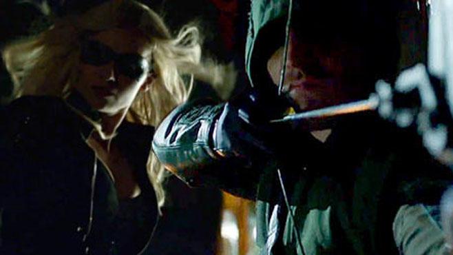 Canario Negro y Flecha Verde en Arrow (2ª Temporada)