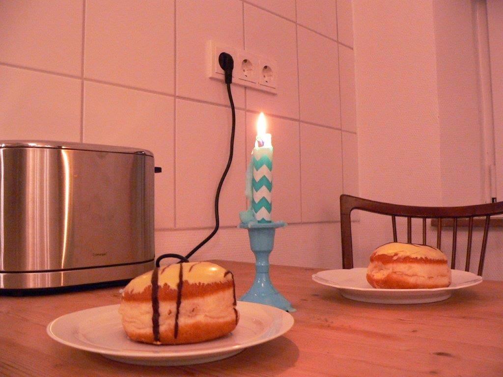 Karnevalszeit lecker Kerze